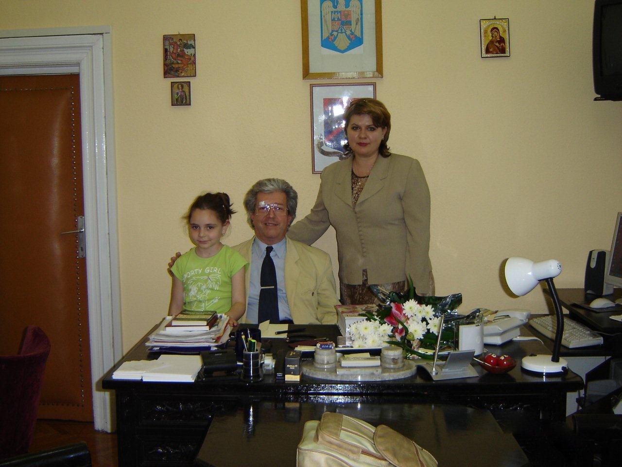 with my teachers - Univ.Prof.Dr. Şerban Dimitrie Soreanu and Prof. Anca Borcea, UNMB 2005